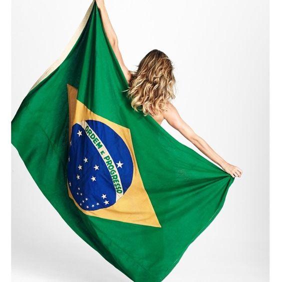 Vamos lá Brasiiiiiil!!! Vamos com tudo!! #RumoaoHexa #VamosBrasil #CopadoMundo…