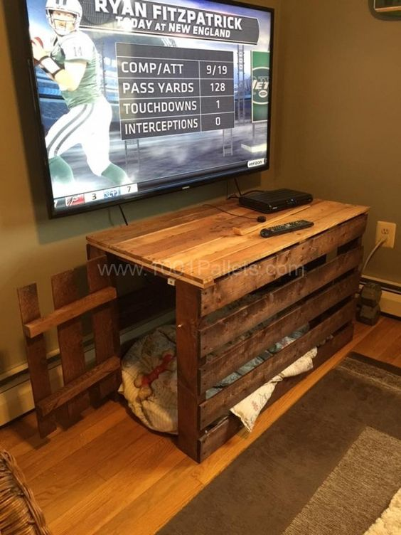 Table & Dog Crate At The Same Time