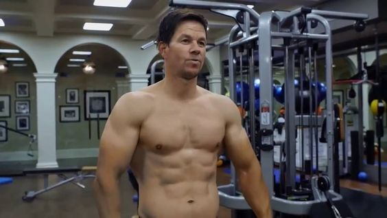 Mark Wahlberg and Dwayne Johnson's Training - 40 pounds of muscle in 7 weeks is the biggest load of shit i'v ever heard.