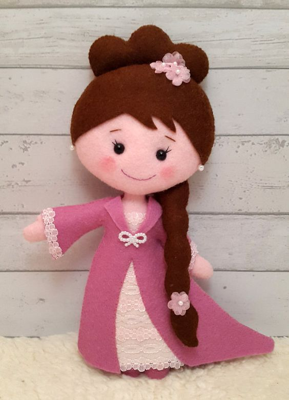 PDF pattern Princess Emma Felt pattern for a doll por SuperSkattig