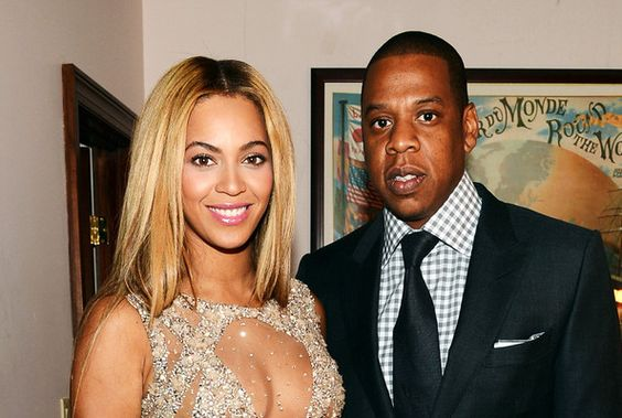 Jay-Z and Beyonce all dressed up for the HBO premiere.  They look so good together.