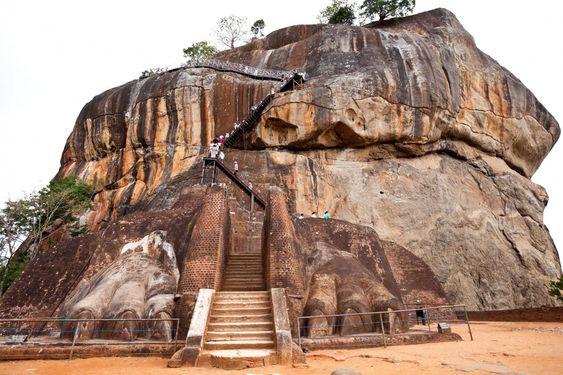 sigiriya, lion rock travel traverlust findmyfare