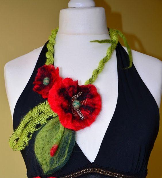 Feutree Collier en  laine  rouge pavot verre cadeaux par Tutenafelt, €25,00
