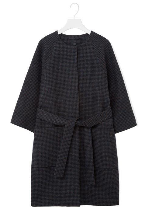 Black kimono style coat. Coat Trends Fall 2016