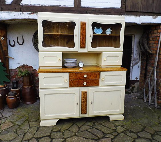 Buffet farmhouse and vintage on pinterest for Küchenbuffet vintage