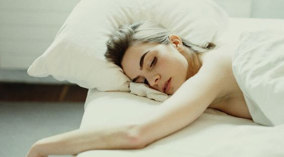 This is the best sleeping position for your health and skin