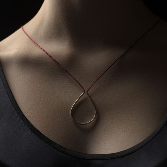 top3 by design - Linda + - Linda van Niekerk - silk dew drop necklace black