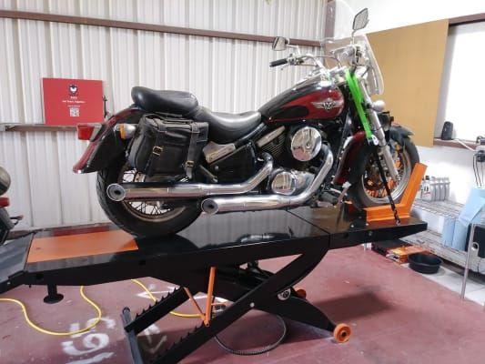 Black Widow Prolift Heavy Duty Air Hydraulic Motorcycle Lift Table 1 500 Lbs In 2020 Motorcycle Lift Table Lift Table Motorcycle