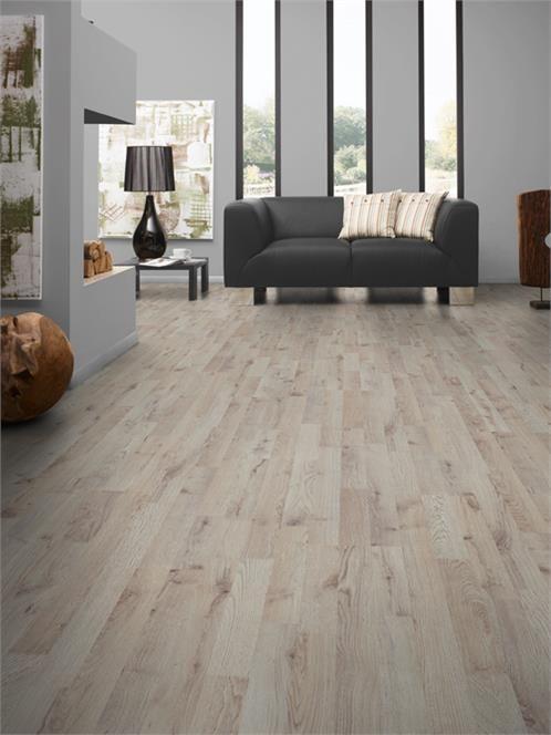 Autumn Light Oak Laminate Flooring