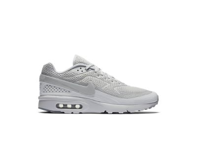 Mens Air Max Tavas Shoe, Chaussures de Fitness Homme, Blanc (White/White-Black), 45.5 EUNike