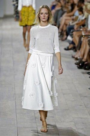 ¿Novias conn suéter? #Tendencias2014 #wedding #dress #bride #tendencias #modanupcial #ebodas