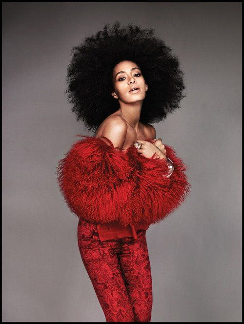 Solange! Even though I'm 99% sure that's a wig I still love it!