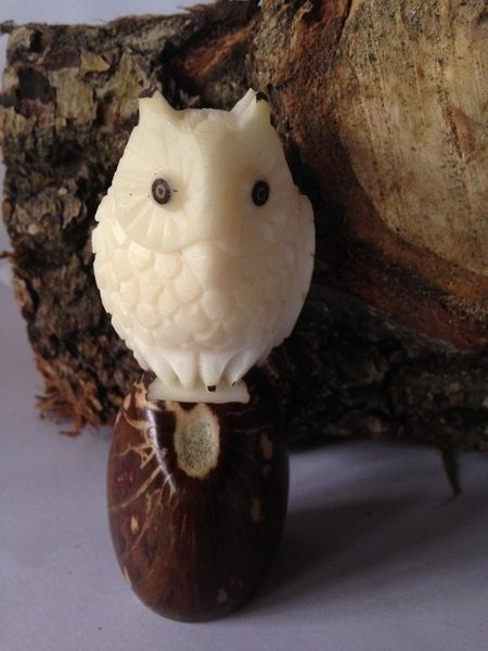 "Tagua-Figur ""Hedwig"" von Phitolotta auf DaWanda.com"