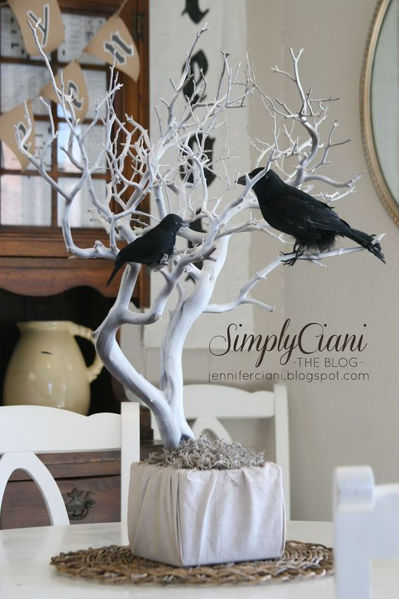 This crow centerpiece is the perfect mix of spooky and classy for an adult #Halloween party.