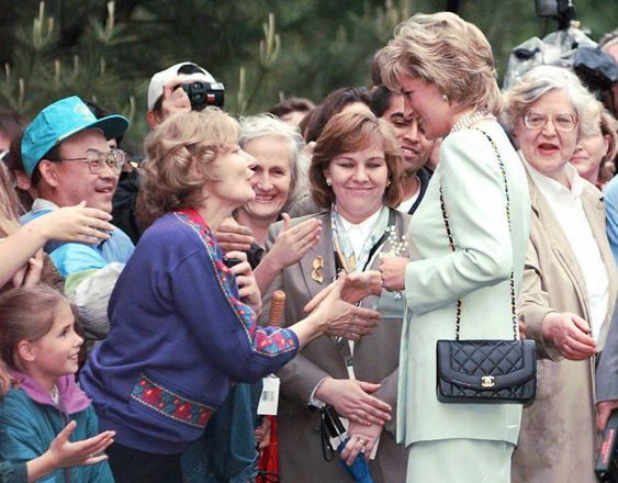 Princess Diana & Her Classic Vintage Chanel Flap Bag ...