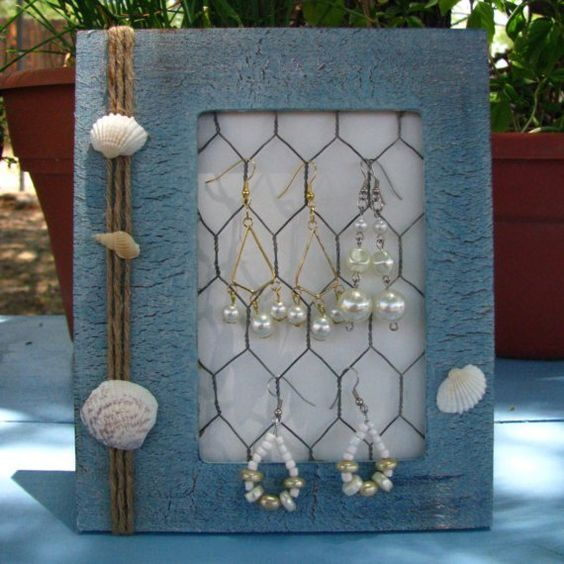 Destash sea shell blue jewelry display beach summer for Bathroom jewelry holder