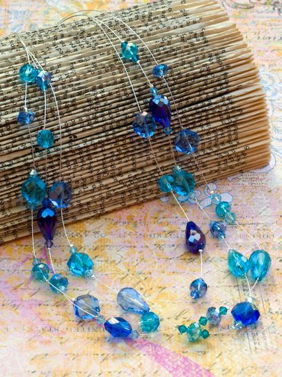 Learn how to bead a handmade illusion necklace. This jewelry ...