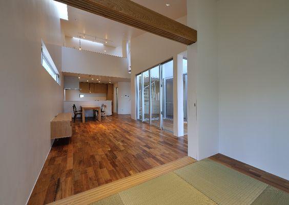 "LSD design co., ltd. ""MAWARU MAWARU""/2013/house/Okinawa, Japan/reinforced concrete construction/two stories"