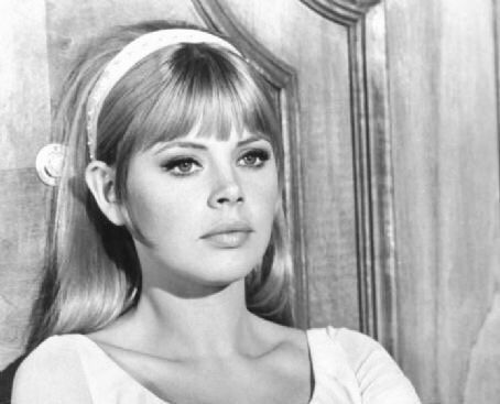 Britt Ekland 60s Makeup And Hair Headband Hairstyles 1960s Hair