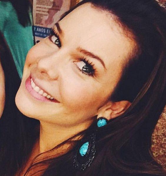 Fernanda Souza, com Máxi Brinco.        #fernandasouza  #elasusam #elasamam #priacessorios #prischiavinato #prinamidia #brinco #bijuteria #acessóriosfeminino #bijuteriafina   www.priacessorios.com.br