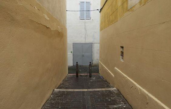 Marseille: Une trentaine de graffitis du Panier effacés par la mairie