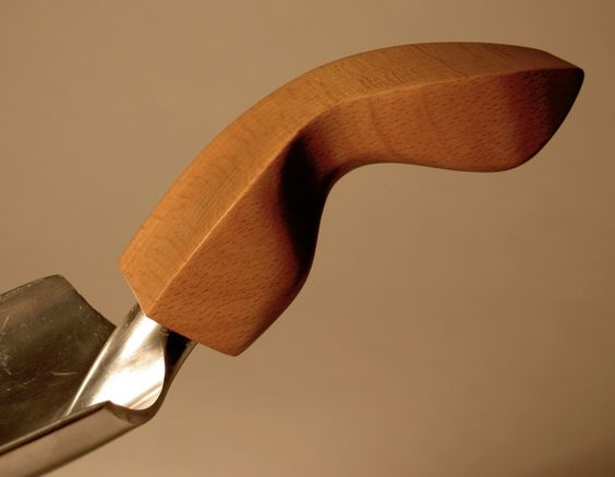 ergonomic handle by Kate Edgar at Coroflot.com