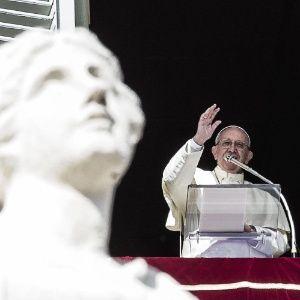 Religioso espanhol admite vazamento de documentos sigilosos sobre Vaticano