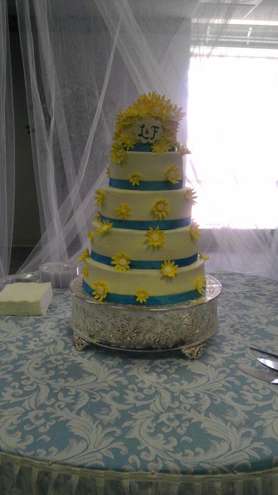 """Mandujano's"" wedding cake"