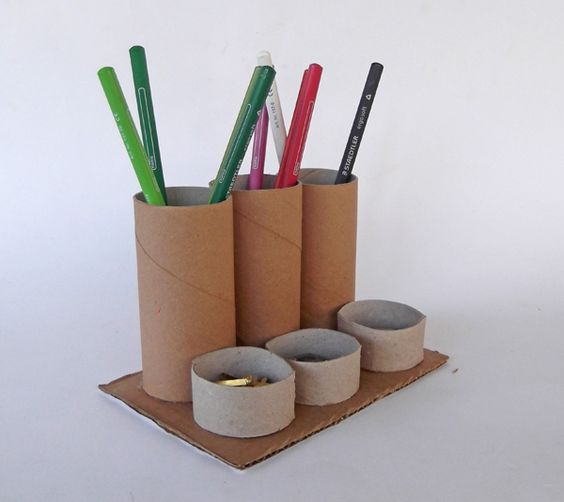 Desk organizer how to make with toilet paper rolls for Recycling toilet paper tubes
