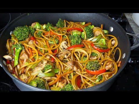 Espagueti Estilo Chino Cómo Hacer Comida China Con Carne De Pollo Brócoli Y Espagueti Yout Comida Con Brocoli Espagueti Con Verduras Comida China Recetas