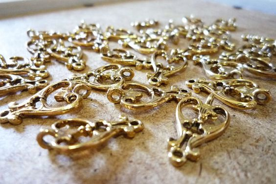 20mm Vintage Wrought Iron Style Hearts Gold Plated (Set of 6)