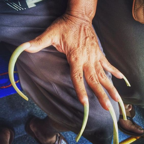 #longnails #indonesia  So you know the reason for men to have one or more long nails?