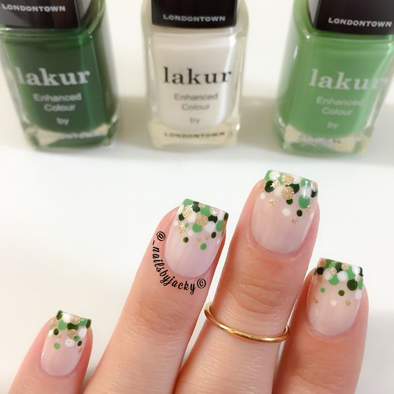 St. Patrick's Day inspired dotticure Colors used; @londontownusa Light Green: