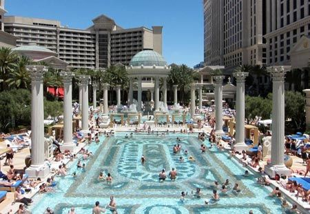 The garden of the gods pool complex at caesar 39 s palace for Caesars swimming pool