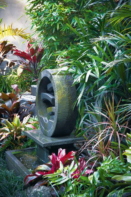 Balinese water features and balinese garden on pinterest for Bali garden designs pictures