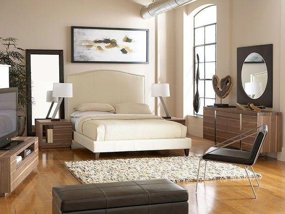 The Lisa California King Bedroom is a modern, sophisticated style.