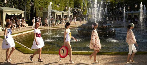 Chanel à Versailles, insoutenable légèreté de l'être. Compte-rendu du défilé Chanel, collection croisière 2013