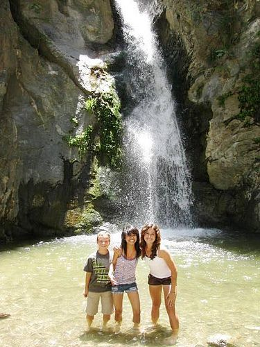 Beautiful Eaton Canyon Falls: Easy and crowded, but well worth hiking