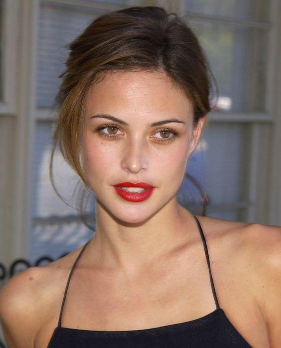 Josie Maran, a beauty