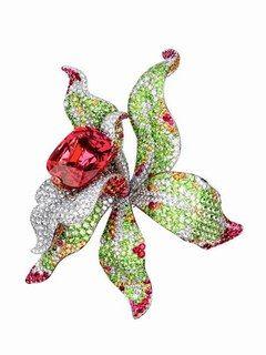 Broche Cartier en diamants et saphir : l'Orchidée par Cartier - Bijoux et créations autour des fleurs