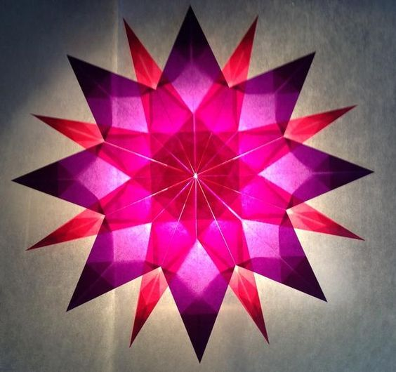 rosa lila stern 16 zacken sterne aus transparentpapier sterne basteln basteln toller. Black Bedroom Furniture Sets. Home Design Ideas