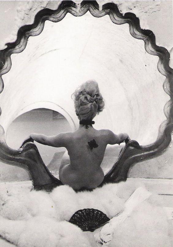 Sandra Milo in Giulietta Degli Spiriti /Juliet of the Spirits[dir.Federico Fellini - IT 1965]  frompostalesporinternet