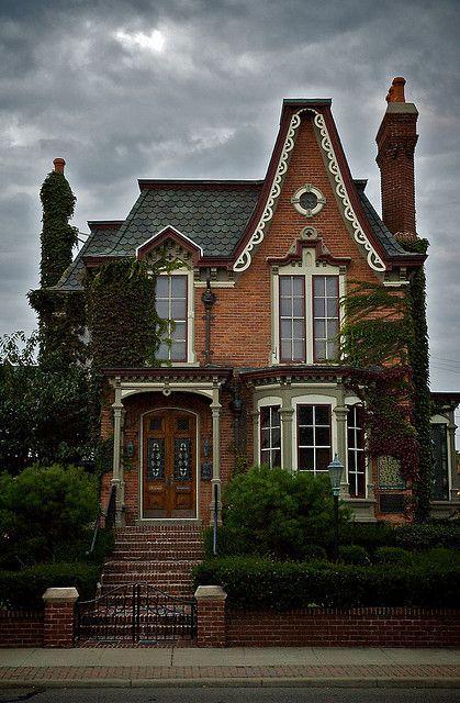 Maisons victoriennes au quebec google search demeur for Brick victorian house