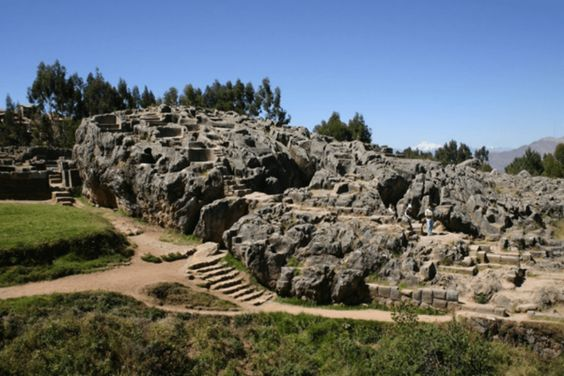 The mystery till date centers around the Qenqo temple, part of the breathtakingly intricate Incan Empire in Peru