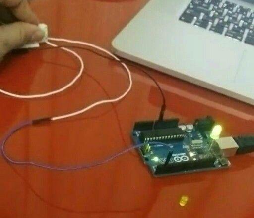 how to make fridge door detector alarm in arduino