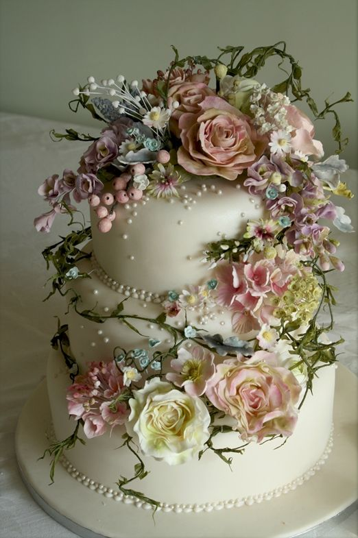Exquisite 'Springtime' and 'Vintage Dream' wedding cakes with handcrafted sugar flowers from Amy Swann Cakes