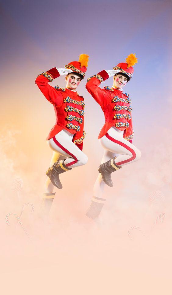 Les Grands Ballets | CASSE-NOISETTE / THE NUTCRACKER | Photo: Damian Siqueiros / zetaproduction.com | Danseurs/Dancers: Troy herring & Pier-Loup Lacour / www.grandsballets.com