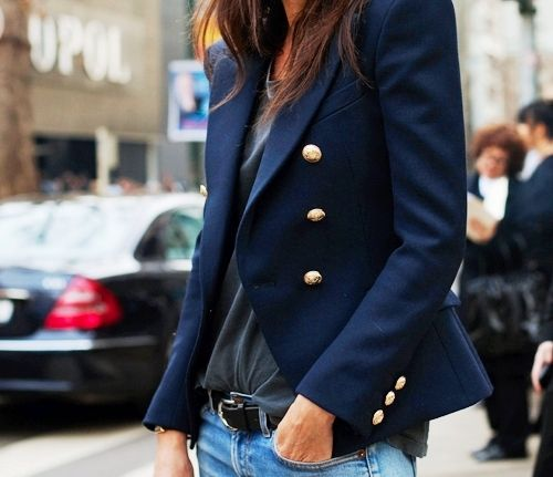 Navy blue blazer with jeans and a t-shirt. Classic: Gold Buttons, Navy Blazers, Fashion Style, Classic Navy, Street Style, Blue Blazers, Fall Winter, Navy Blue