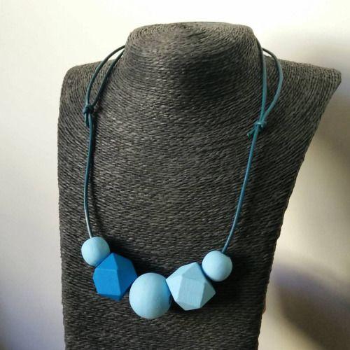 ✖️ Geometric Necklace ✖️ Gestern ist noch eine neue Kette entstanden in der Wunschfarbe hellblau - die Kette ist für den Alltag zu vielem kombinierbar und trotzdem immer ein Hingucker. Sie ist zudem in der Länge verstellbar, so kann sie klassisch eng...