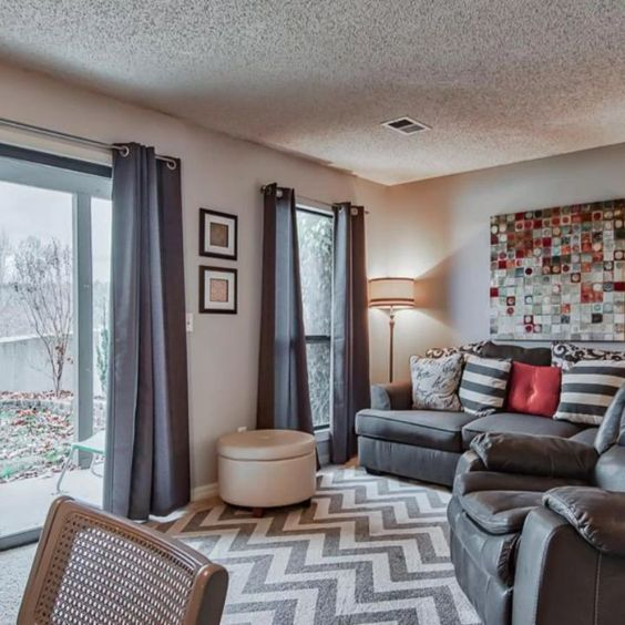 New Listing 42 000 1 Bedroom Condo Turn Key And Ready To Go Contemporary Decor Great Location Furn Contemporary Decor Condos For Sale Branson Condo